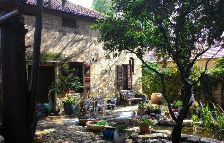 נוף ציורי, 40 דקות מהמרכז: בית אבן עתיק בבת שלמה מוצע למכירה ב-7 מיליון שקלים